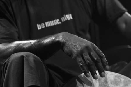 Hamid Drake be music