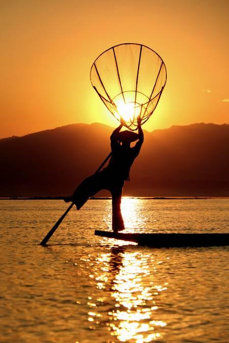 Pêcheur danseur du lac Inle