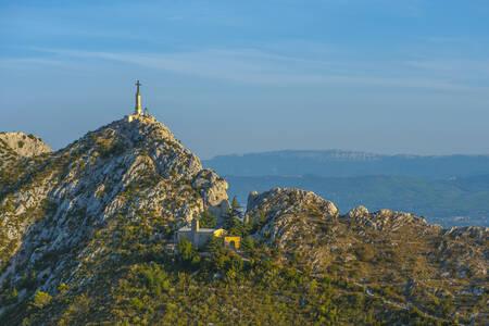 Le Prieuré de Sainte-Victoire e la Croix de Provence