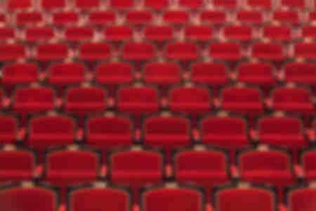 en attendant le public