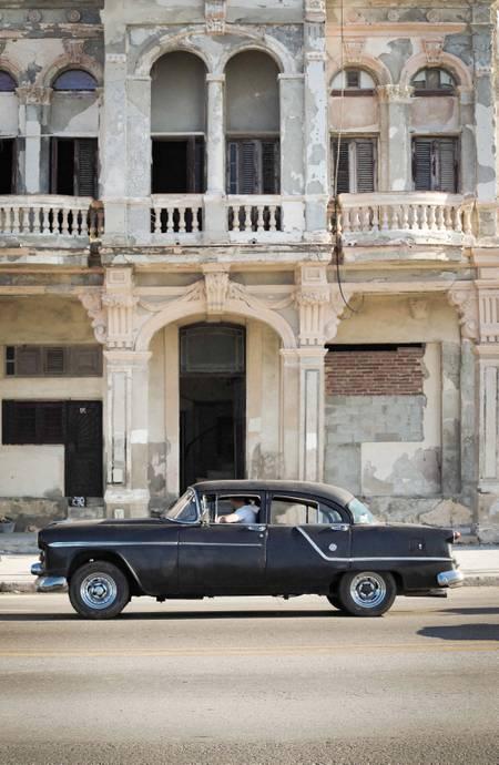 La Havane - Cuba  Vintage Car - black