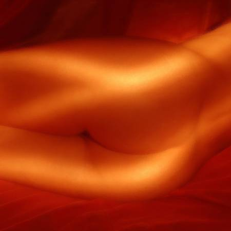 Electric nude