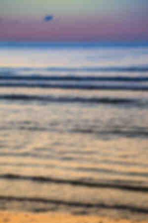Reflexiones frías y calientes en la orilla del mar