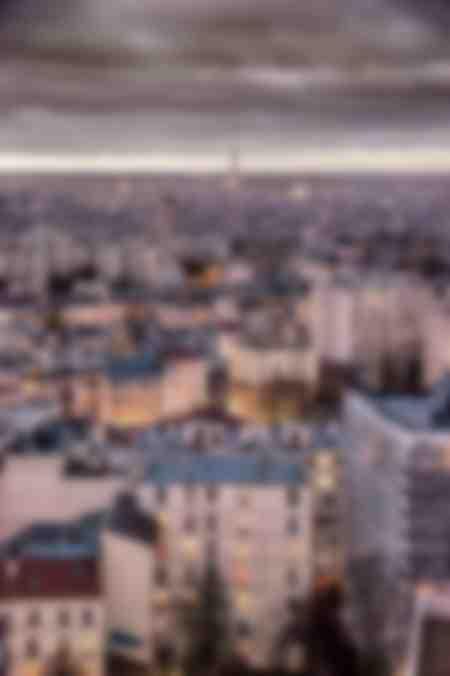 Torre Eiffel in lontananza