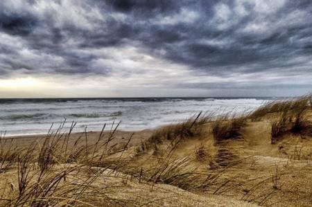Mer déchainée sur plage des Landes