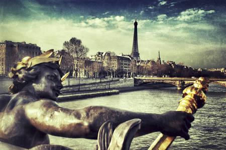 Statue sur Pont Alexandre III