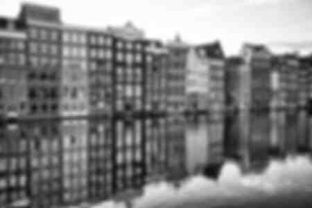 Riflessi di vecchi edifici
