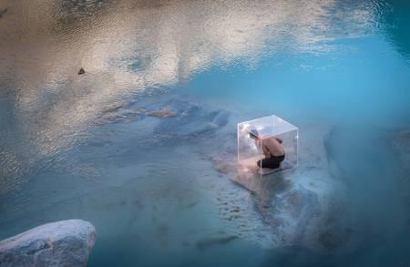 Le Cube sous le Glacier de Ferpècle