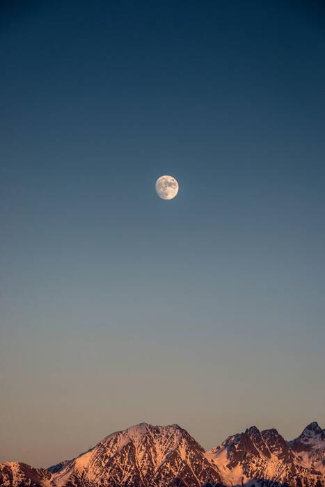 Lune Sur Belledonne