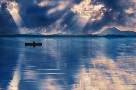 Reflejo del lago azul puy-de-dome