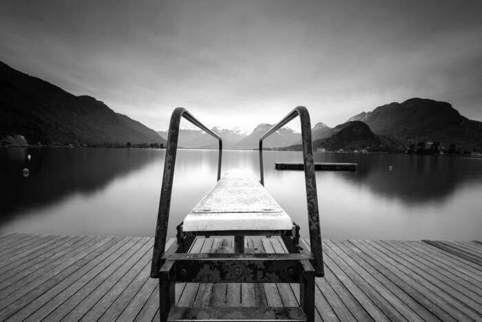 Plonger Entre Lac Et Montagnes