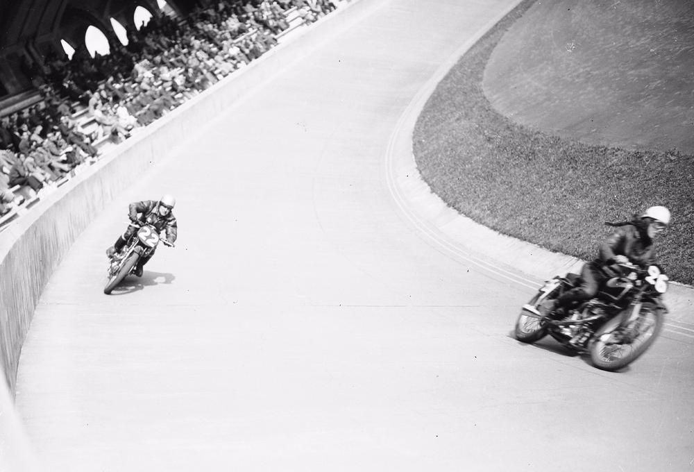Grand Prix De Moto Cross A Bordeaux En 1950