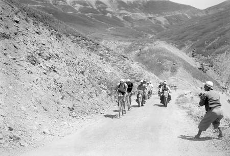Ascension du Tourmalet par Gino Bartali sur le Tour 1938