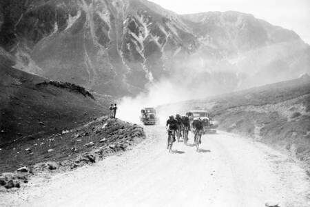 Riders on an ascent in the Alps on the Tour