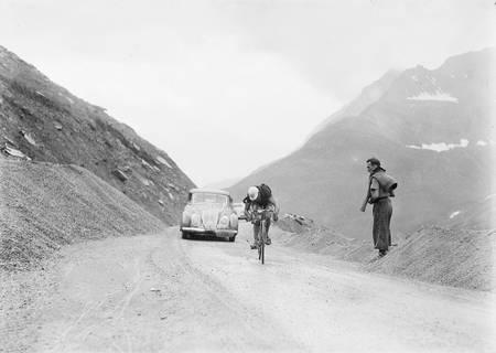 Félicien Vervaecke en pleine ascension du Tourmalet sur le Tour 1938