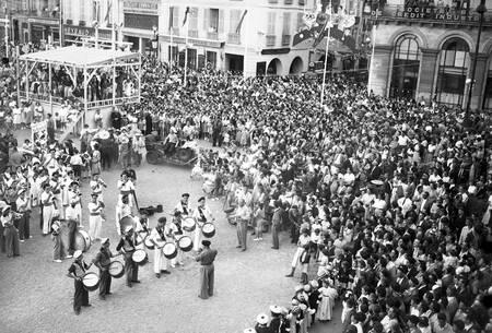Fetes de Bayonne en 1952 vue d'en haut