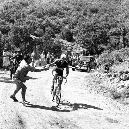 Gino Bartali in trouble on the 1952 Tour