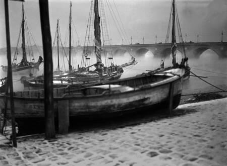 Port de Bordeaux sous la neige dans les années 1930-1950
