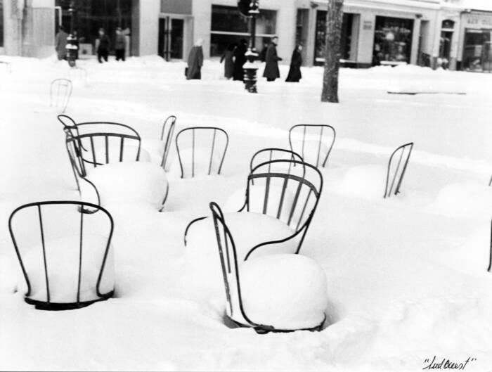 Chaises Recouvertes Par La Neige