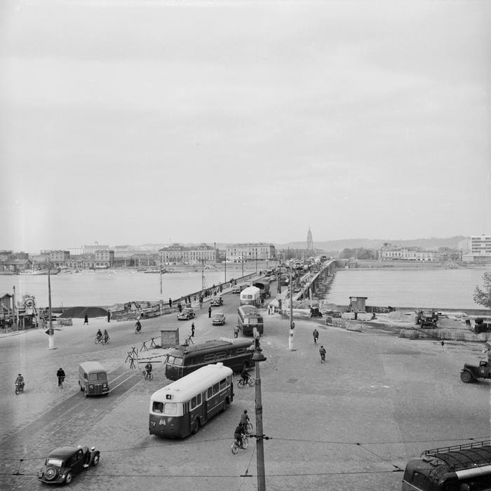 Embouteillages Sur Le Pont De Pierre A Bordeaux