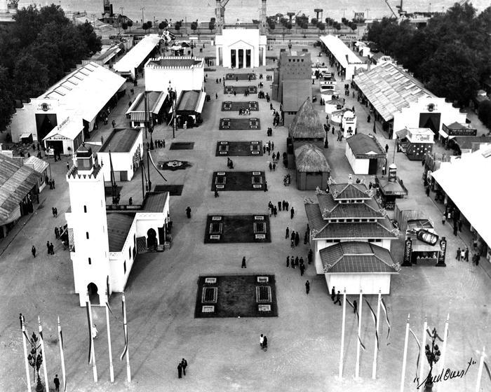 Foire De Bordeaux Place Des Quinconces En 1949