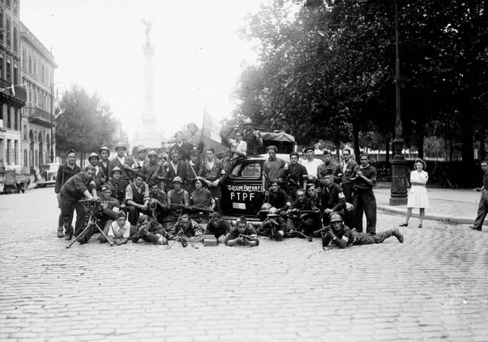 Francs Tireurs Et Partisans Francais Lors De La Liberation De Bordeaux