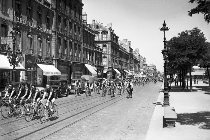 Grand Prix Cycliste De Secrestat En 1949 A Bordeaux