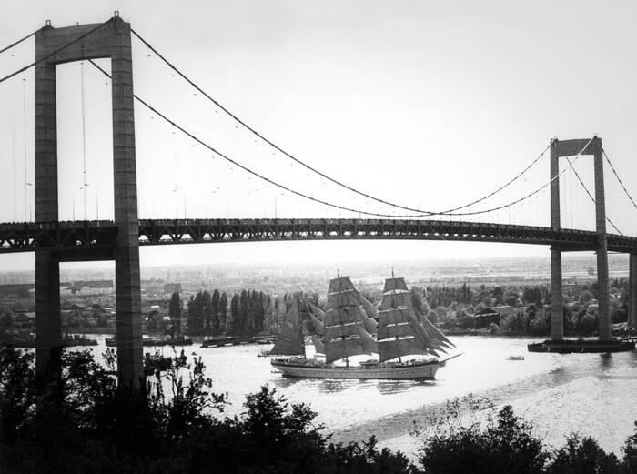 Inauguration Du Pont D Aquitaine En Mai 1967
