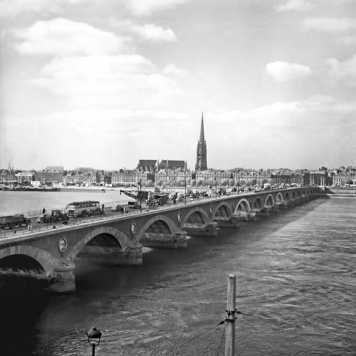 Pont De Pierre A Bordeaux