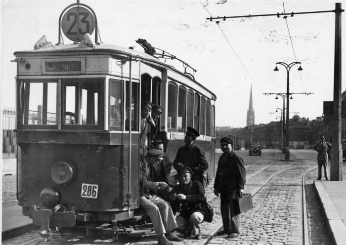 Tramway Place Des Quinconces Bordeaux
