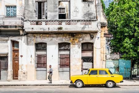 Urban atmosphere in Havana