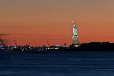 Coucher de Soleil sur Miss Liberty