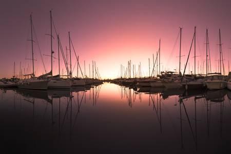 Lever du Soleil sur le Port