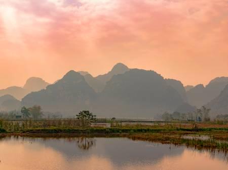 Baie d'along terrestre - Vietnam