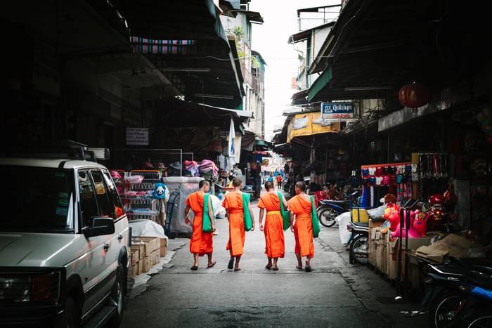 Warorot Monks
