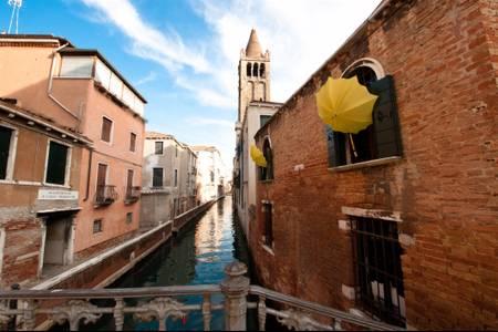 Venetian parasols