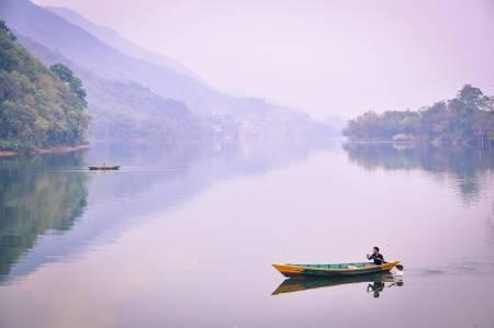 Sur le lac de Pokhara