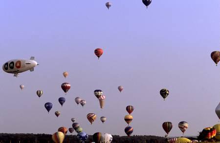 Envol de montgolfiere