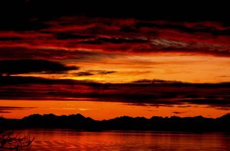 Midnight sun ile Loffoten