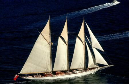 Yacht et soleil