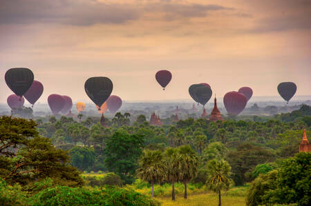 Hot air balloons on Bagan Pagodas 1