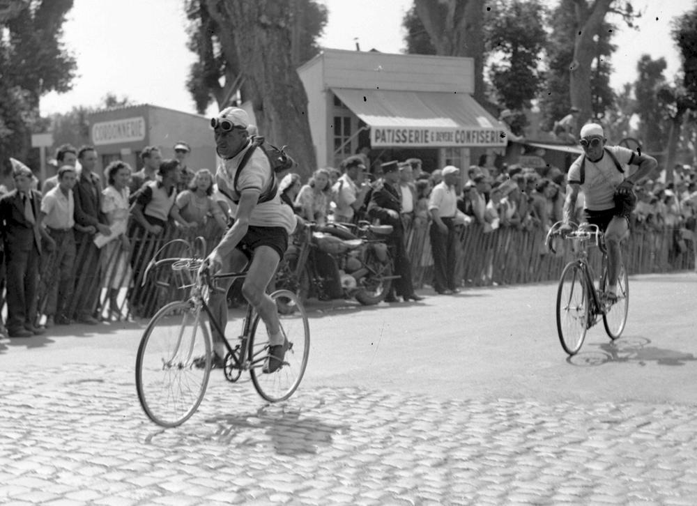 Pierre Cogan Sur Le Tour 1949