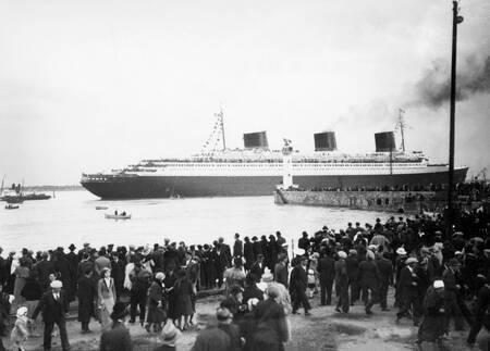 Departure of the liner Normandy