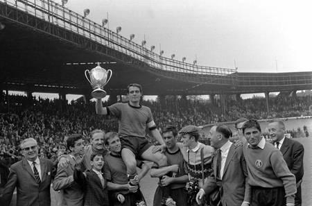 Rennes win in the final against Sedan in 1965
