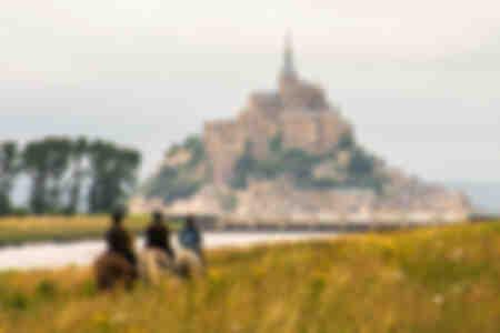 Passeggiata a cavallo vicino a Mont Saint Michel