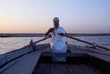Sadhu on the Ganges Bénares