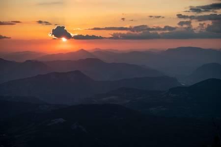 Coucher de soleil dans les alpes du sud