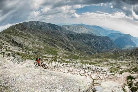 MTB downhill from Lake Nino