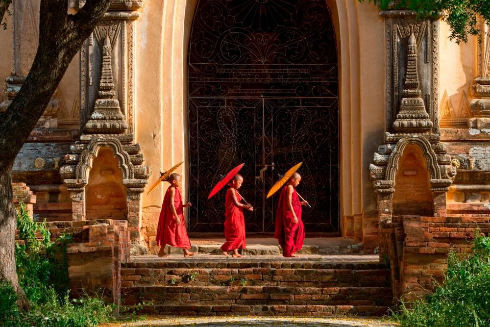 Les Moinillons Bouddhistes De Bagan