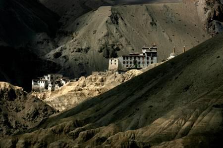 Monastere de LAMAYURU   LADAKH